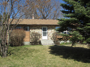 SHOWINGS START MAY 2nd!!  GORGEOUS BUNGALOW in SELKIRK, MB