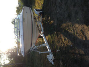 20ft SEA RAY WITH TRAILER