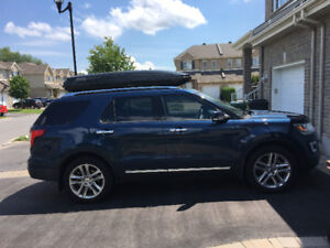 2017 Blue Jean Ford Explorer Limited  (ONLY 13500 km)