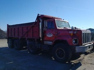 INTERNATIONAL TRI-AXLE DUMP TRUCK FOR SALE