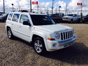 2010 Jeep Compass, Loaded, AWD, Leather Heated Seats