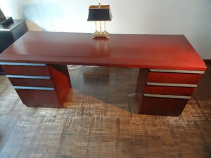 "Executive Desk Kneehole Credenza ""I"" - Workplace Line by Kaufman"