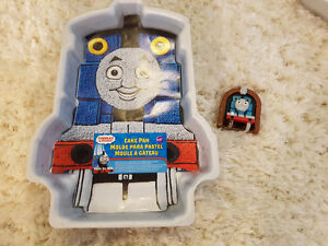Thomas the Train Wilton Cake Pan & candle - Used once