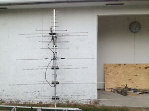 t v tower and antenna