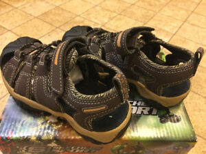 New Skechers Boy Sandals size 10