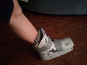 Fracture Boot + Crutches
