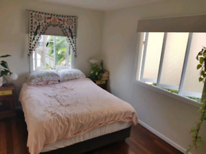 GOLD COAST BEACH HOUSE - ROOM FOR RENT