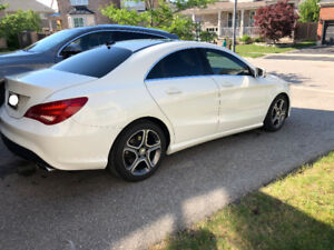 2014 Mercedes-Benz CLA-250 Sedan with Pano Roof