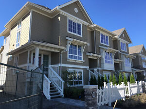 Ladner Waterview Brandnew Large 4 Beds+4 Baths Townhome