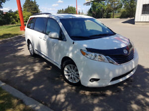 2013 Toyota Sienna LE AWD, Loaded, Backup cam, only 92,000 km.