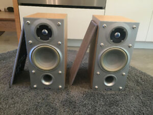 Energy Connoisseur Series C-1 Bookshelf Speakers