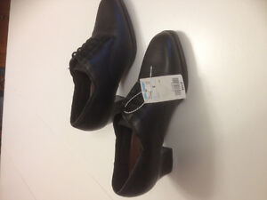 SIZE 6 leather shoes