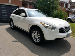 Infiniti FX35 2010 Great Condition.  $15,500 or BO