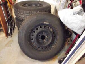 4 pneus d'hiver BF Goodrich