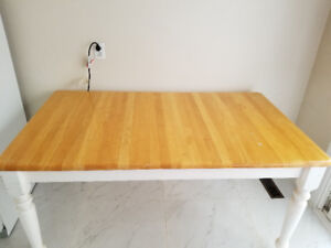 Table for sale 35 inch wide 59 inches long 30 inches tall