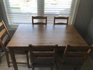 Small dining table with 5 chair