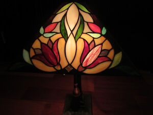 $100 Lamp approx 25 inches high by 16 inches wide Campbell River Comox Valley Area image 5