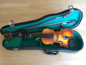 Antique Corelli Violin