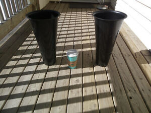 Plastic Planter Pots $15 each (FIRM!)