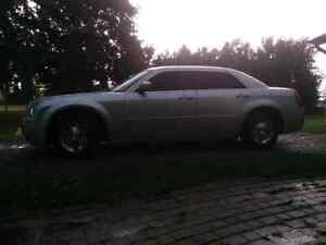 Extra Clean 2005 Chrysler 300 Limited