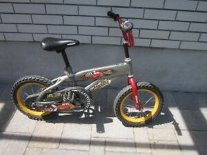 12 inch bicycle with training wheels - Good for 3-6 year old