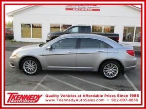 2014 Chrysler 200 4dr Sdn Limited  LOW PAYMENTS OAC