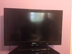 "RCA 32"" LED HD TV with Built in DVD Player"