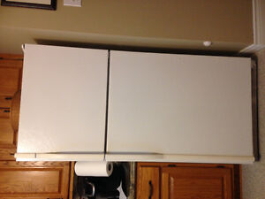 White Kenmore Refrigerator SOLD