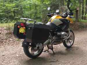 """*PRICE REDUCED""""       2004 BMW R1200GS"""