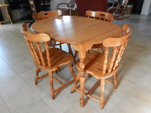 Oak Dinning table set - 4 chairs