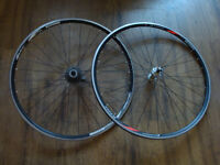 roues 700c wheels - Ultegra hubs w/ RL2002 rims