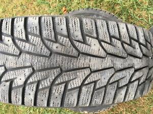 P215/65R16 Hankook iPike winter tires