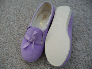Variety of Brand New Children's Slippers London Ontario image 8