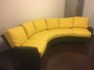 Like New Configurable patio couch - Ratana Palm Harbour