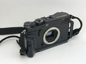 Fuji X-Pro2 body excellent condition with L bracket grip