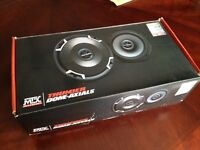 6.5 inch MTX Thunder Dome-Axials mint condition