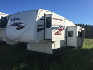 2007 Forest River Salem 31 Ft T/A 5th Wheel