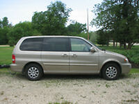 2005 Kia Sedona Anniversary Edition Minivan, Van