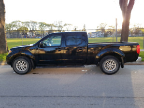 45000 klm 2014 Nissan Frontier with cab