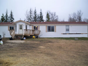 Come Have A Look! 16 x 76  Year 2000 Mobile Home For Sale