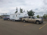2002 24' Security 5th wheel with bunk beds and hitch for towing
