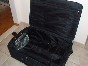 EDDIE BAUER ZERO GRAVITY LARGE SUITCASE West Island Greater Montréal image 4