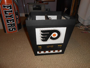 philadelphia flyers nhl scoreboard light and many collectables London Ontario image 2
