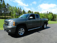 2011 Chevrolet Silverado ltz Ext Cab Leather, Sunroof 4x4 5.3 lt