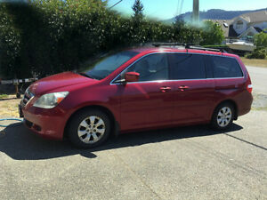 2006 Honda Odyssey EX 8 passenger van with Roof rack  Tow Pack