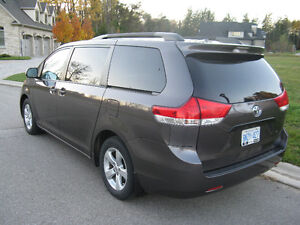 2012 Toyota Sienna V6 5dr 7-Pass FWD 3.5L Kitchener / Waterloo Kitchener Area image 5