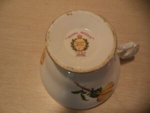 QUEEN ANNE ROYAL ROSES TEA CUP AND SAUCER Windsor Region Ontario image 2