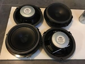 4 2009-2012 LAND ROVER LR2 SPEAKERS. CHEAP! West Island Greater Montréal image 3