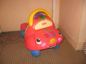 Trotteur Voiture Fisher Price. Musical and lights. Walker