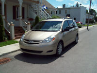 2009 Toyota Sienna CE Fourgonnette, 7 passagers